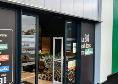Entrée portique antivol épicerie marque Sensormatic