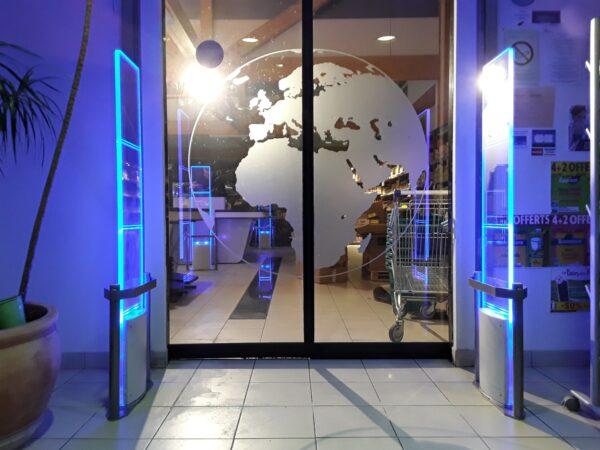 portique antivol magasin eclaire